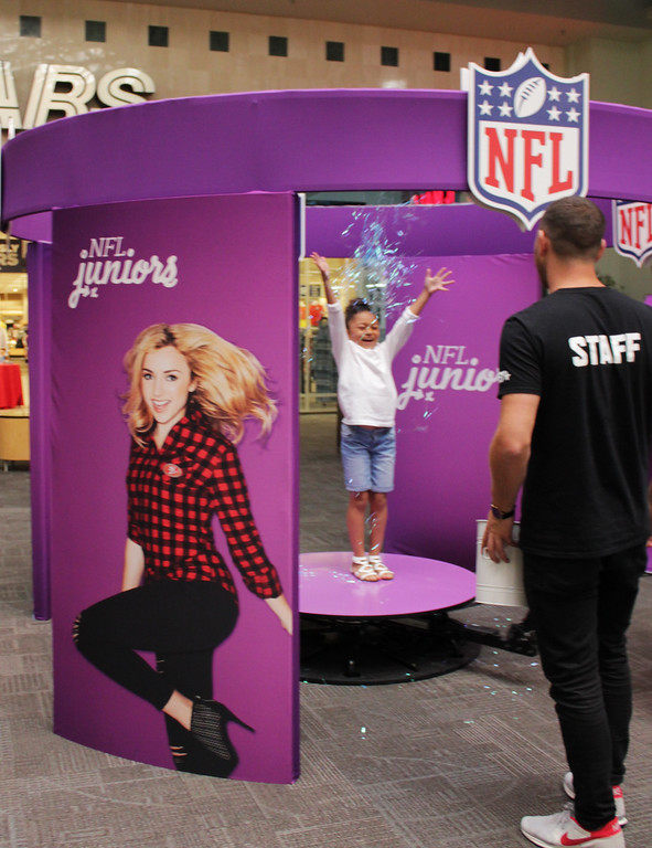 NFL Juniors Style Lounge Mall Tour 2016