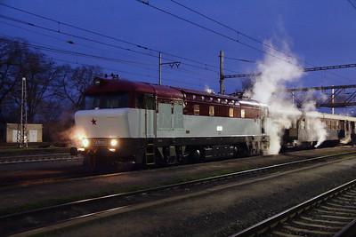 T478 1001 (90 54 3751 001-9 CZ-CD) at Nezamyslice on 6th February 2016 working Railtour (11)