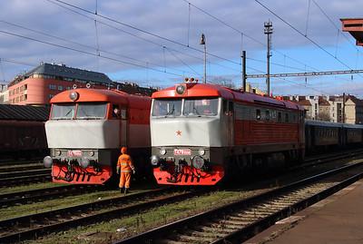 T478 1004 & T478 1008 at Prague Vrsovice on 5th February 2016 (3)