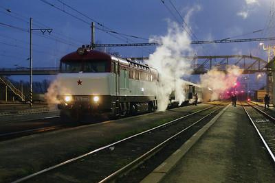 T478 1001 (90 54 3751 001-9 CZ-CD) at Nezamyslice on 6th February 2016 working Railtour (20)