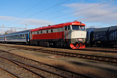 T478 1008 (90 54 3749 008-9) at Golcuv Jenikov on 5th February 2016 (6)