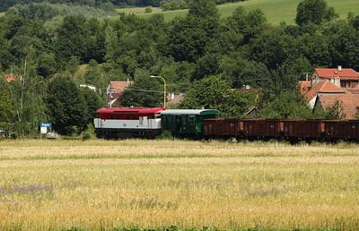 T478 1001 (90 54 3751 001-9 CZ-CD) near Bylnice on 9th July 2017 working Grumpy Railtour (3)