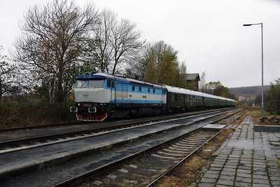 KZC, T478 2065 (90 54 3749 259-8 CZ-KZC) at Nove Mesto pad Smrkem on 29th October 2017 working Grumpy Railtours charter train (18)