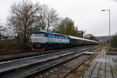 KZC, T478 2065 (90 54 3749 259-8 CZ-KZC) at Nove Mesto pad Smrkem on 29th October 2017 working Grumpy Railtours charter train (18)