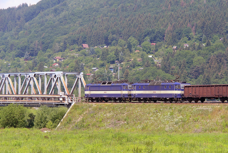 363 138 & 363 142 near Zilina on 23rd June 2016 (3)