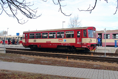810 589 (95 54 5810 589-2 CZ-CD) at Rudna u Prahy on 9th March 2015