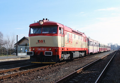 IDSC, 749 162 (92 54 2749 162-4 CZ-IDSC) at Zlonice on 9th March 2015 (2)