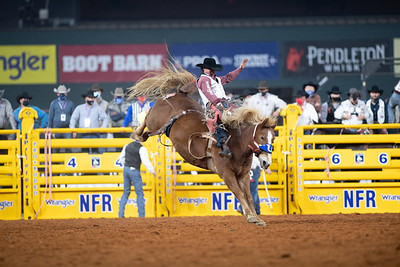 2020NFR_R01_BB_Clayton Biglow_LilRedHawk_Stangle-120