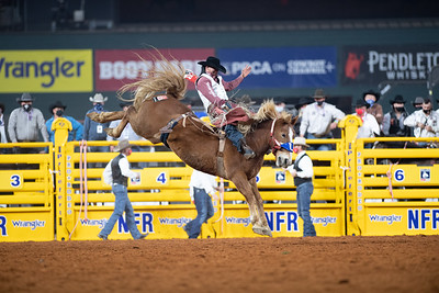 2020NFR_R01_BB_Clayton Biglow_LilRedHawk_Stangle-127