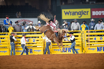 2020NFR_R01_BB_Clayton Biglow_LilRedHawk_Stangle-117