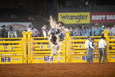 2020NFR_R04_BB_Chad Rutherford_PaintedSmoke_Stangle-7738