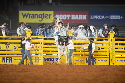 2020NFR_R04_BB_Chad Rutherford_PaintedSmoke_Stangle-7734
