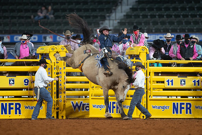 2020NFR_R05_BB_Chad Rutherford_GunFire_Stangle-8541