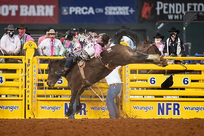 2020NFR_R05_BB_Cole Reiner_StraightMoonshine_Stangle-8491