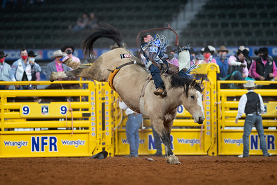 2020NFR_R05_BB_Chad Rutherford_GunFire_Stangle-8545
