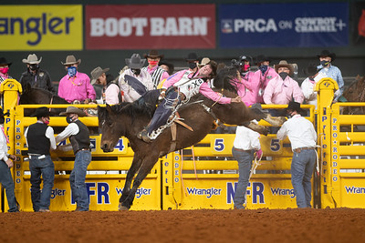 2020NFR_R05_BB_Cole Reiner_StraightMoonshine_Stangle-8492