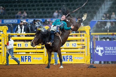 2020NFR_R07_BB_Chad Rutherford_CoronaKate_Stangle-2520