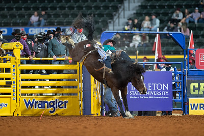 2020NFR_R07_BB_Chad Rutherford_CoronaKate_Stangle-2514