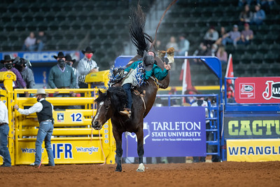 2020NFR_R07_BB_Chad Rutherford_CoronaKate_Stangle-2518