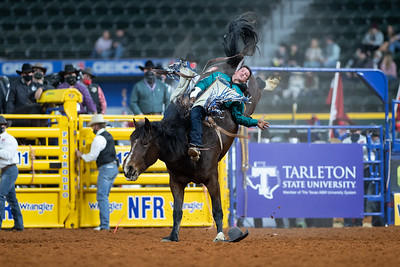 2020NFR_R07_BB_Chad Rutherford_CoronaKate_Stangle-2519