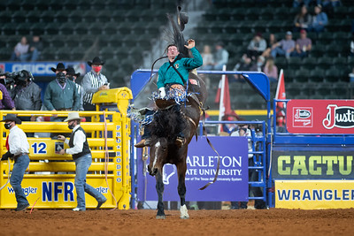 2020NFR_R07_BB_Chad Rutherford_CoronaKate_Stangle-2517