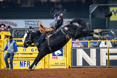 2020NFR_R08_BB_Kaycee Field_BlackEye_Stangle-4419
