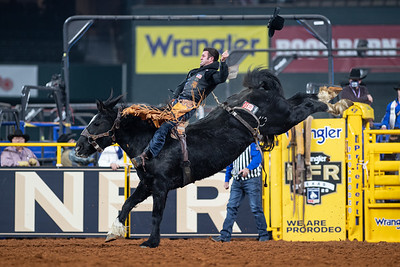 2020NFR_R08_BB_Kaycee Field_BlackEye_Stangle-4418