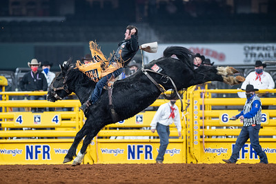 2020NFR_R08_BB_Kaycee Field_BlackEye_Stangle-4420
