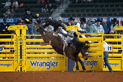 2020NFR_R09_BB_Cole Reiner_ArbitratorJoe_Stangle-6129