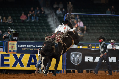 2020NFR_R09_BB_Clayton Biglow_Devil'sAdvocate_Stangle-6112