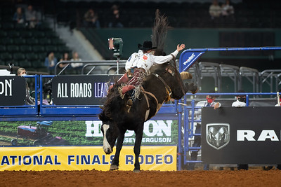 2020NFR_R09_BB_Clayton Biglow_Devil'sAdvocate_Stangle-6108