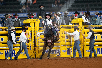 2020NFR_R09_BB_Cole Reiner_ArbitratorJoe_Stangle-6131