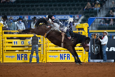 2020NFR_R09_BB_Cole Reiner_ArbitratorJoe_Stangle-6134