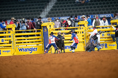 2020NFR_R01_BR_Bullfighters_Stangle-6008