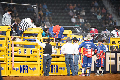 2020NFR_R03_BR_Bullfighter_Dusty Tuckness_Stangle-7523