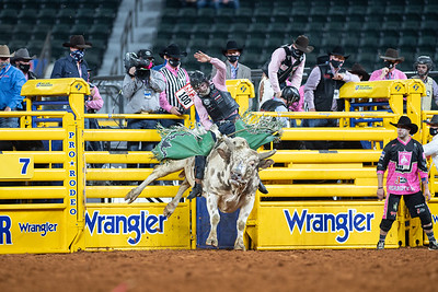 2020NFR_R05_BR_Jeff Askey_ButterBean_Stangle-9761