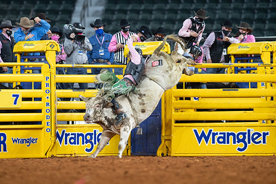 2020NFR_R05_BR_Jeff Askey_ButterBean_Stangle-9760