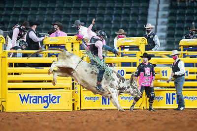2020NFR_R05_BR_Jeff Askey_ButterBean_Stangle-9772