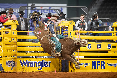 2020NFR_R06_BR_Brady Portenier_Funhater_Stangle-1633