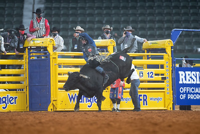 2020NFR_R06_BR_Colten Fritzlan_BitABadNews_Stangle-2084