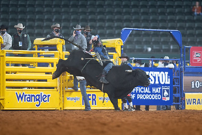 2020NFR_R06_BR_Colten Fritzlan_BitABadNews_Stangle-2112