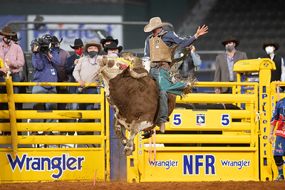 2020NFR_R06_BR_Brady Portenier_Funhater_Stangle-1639