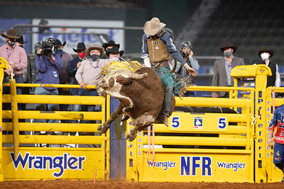 2020NFR_R06_BR_Brady Portenier_Funhater_Stangle-1638