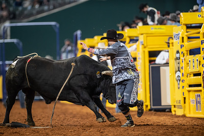 2020NFR_R08_BR_Dusty Tuckness_Stangle-5547