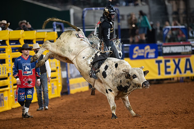 2020NFR_R09_BR_Sage Kimzey_BarFly_Stangle-7131