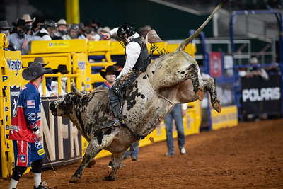 2020NFR_R09_BR_Clayton Sellars_HappyDays_Stangle-2