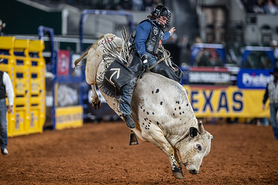 2020NFR_R09_BR_Colten Fritzlan_Rip_Stangle-7419