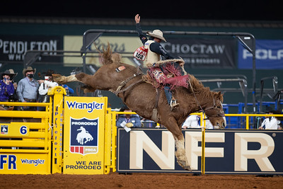 2020NFR_R09_SB_Cole Elshere_MajorHuckleberry_Stangle-6386