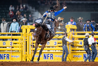 2020NFR_R08_SB_Ryder Wright_AmericanHat'sPositiveTimes_Stangle-4816