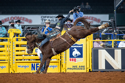 2020NFR_R08_SB_Isaac Diaz_Snatchy_Stangle-4747